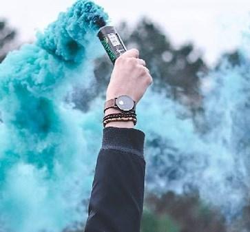 Comment allumer un fumigène ?