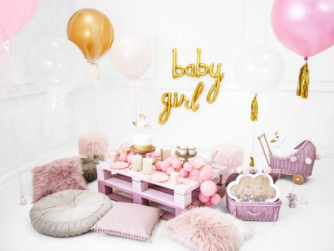 exemple de salon pour une baby shower de fille