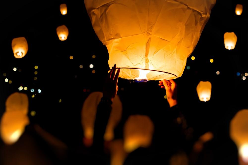 Organiser un lâcher de lanterne pour votre mariage