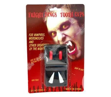 Dentier de vampire avec capsules de sang