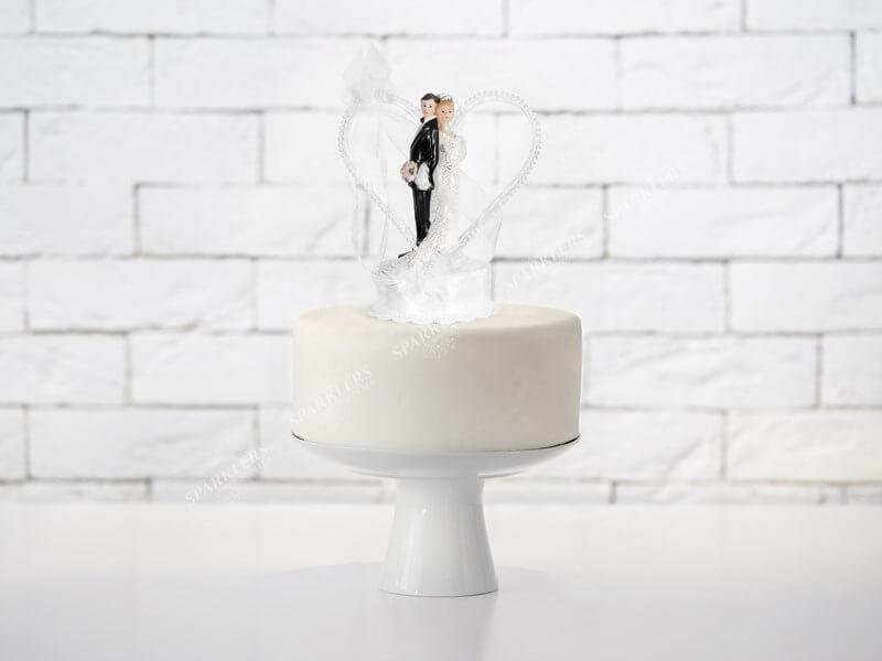 Figurine mariage couple sur coeur blanc