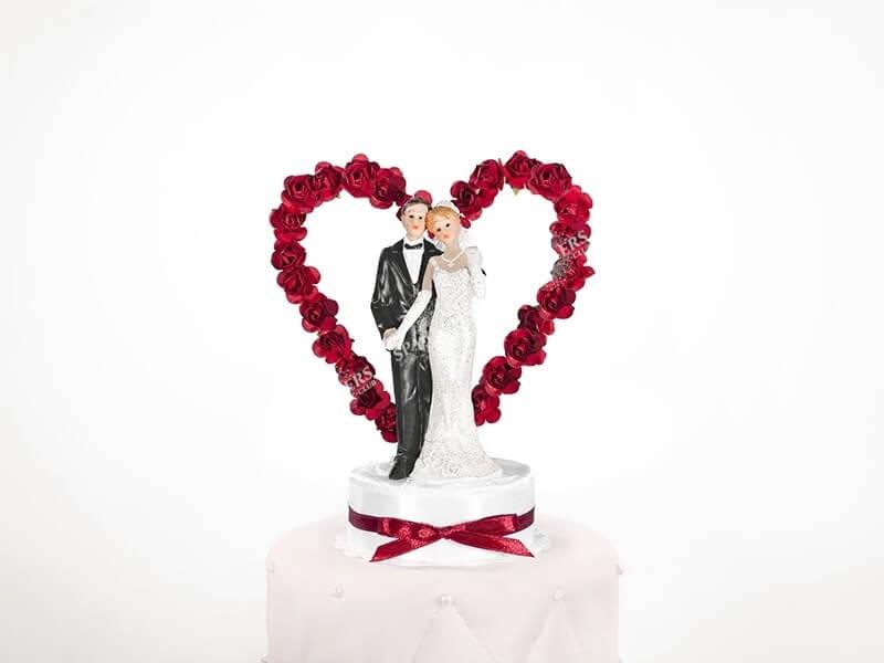 Figurine mariage couple sur coeur rouge