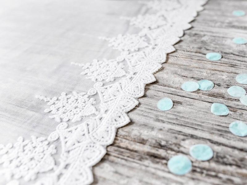 Chemin de table en dentelle blanche, longueur 9 mètres
