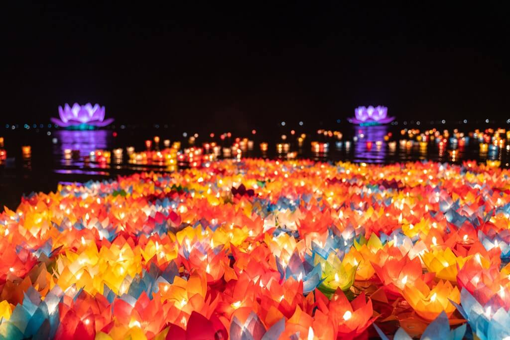 Lanternes flottantes multicolors x6