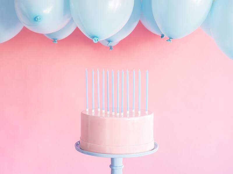 12 bougies anniversaire bleu claire (14cm)