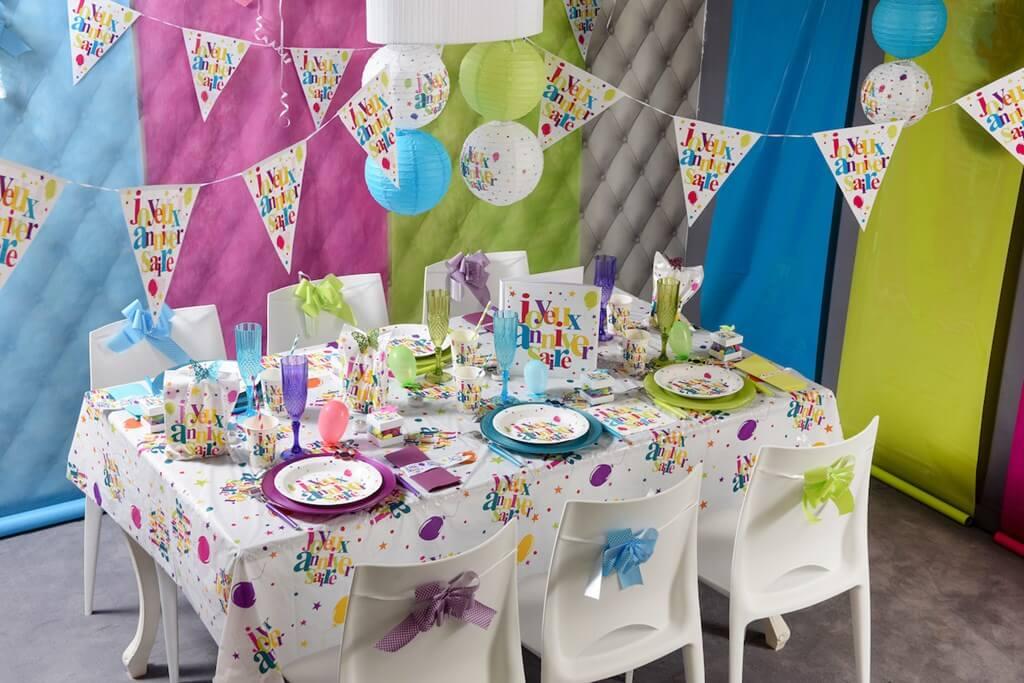 Guirlande fanions Joyeux Anniversaire Multicolore