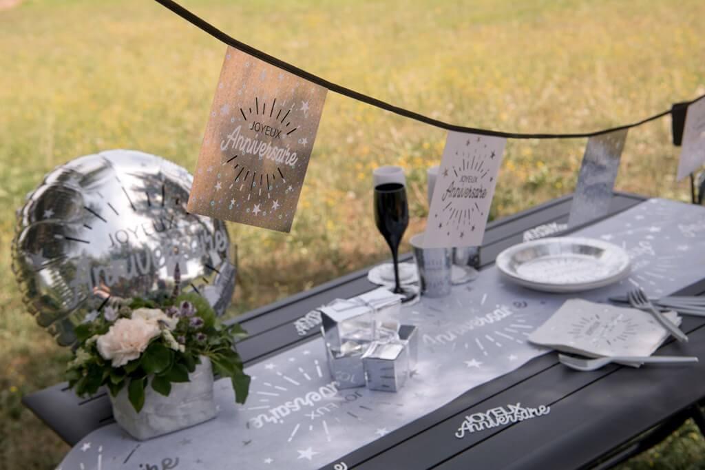 Guirlande Fanions Joyeux Anniversaire Blanc/Noir