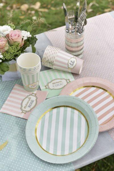 """Assiette en papier """"Mademoiselle Rose"""" - Lot de 10"""