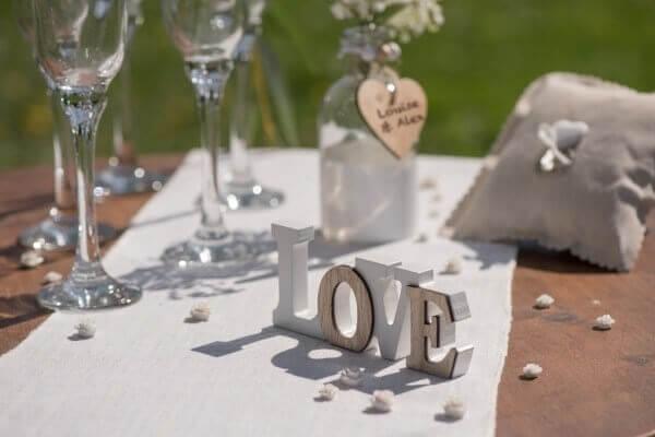 "Lettres ""Love"" Blanc/Bois naturel"